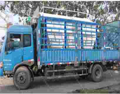 天津客户散装饲料运输车发货
