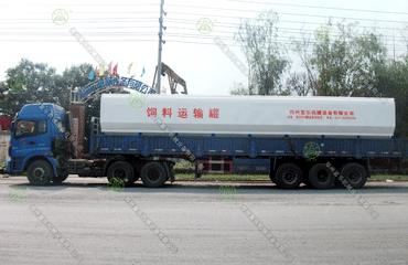 30吨散装饲料运输车(内蒙古客户)