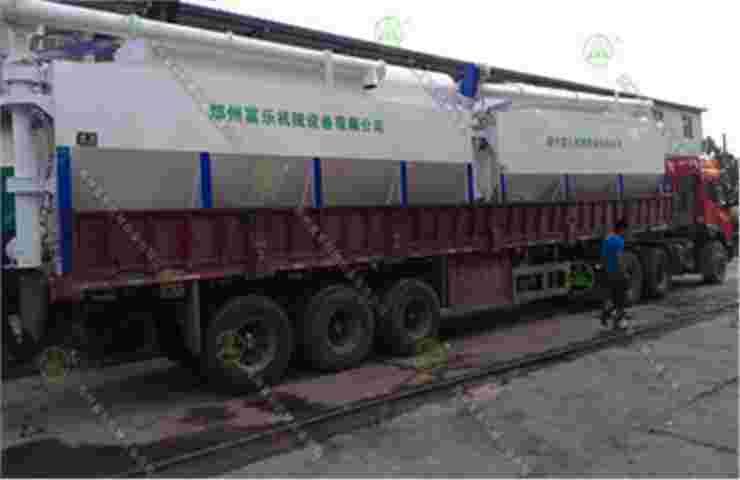 15吨散装饲料运输车(甘肃客户)